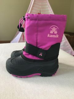 Girl s size 10 Kamik snow boots