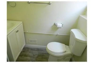 3 bedrooms House - Centraly located home minutes away from Mass Pike. Washer/Dryer Hookups!