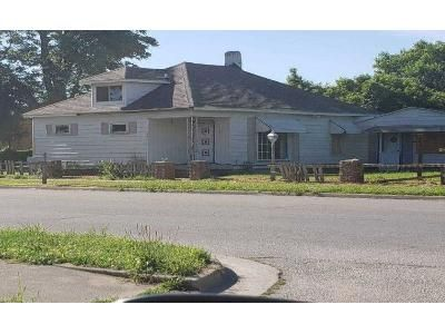 3 Bed 1.5 Bath Foreclosure Property in Terre Haute, IN 47804 - 8th Ave