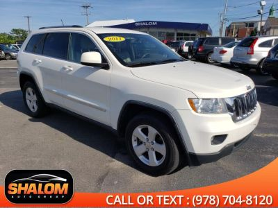 2011 Jeep Grand Cherokee Laredo (Stone White)