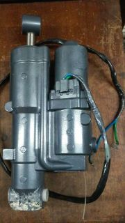 Purchase Yamaha 4-Stroke Trim and Tilt Unit 70hp, 75hp, 90hp 2006 and Up 6D8-43800-01-8D motorcycle in Mobile, Alabama, United States, for US $700.00