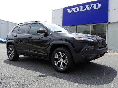 2015 Jeep Cherokee Trailhawk (Brilliant Black Crystal Pearlcoat)