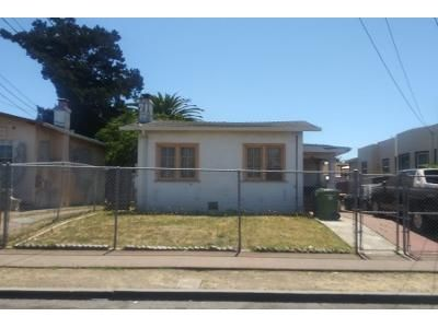 2 Bed 1.0 Bath Preforeclosure Property in Oakland, CA 94605 - 65th Ave