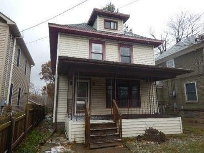 4 Bed 2 Bath Foreclosure Property in Lansing, MI 48910 - E Mount Hope Ave