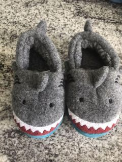 Slippers- size 6