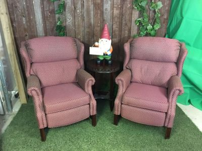 Very Comfortable Pair of Lane Wingback Recliners in excellent condition.