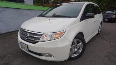 2012 Honda Odyssey Touring (White Diamond Pearl)