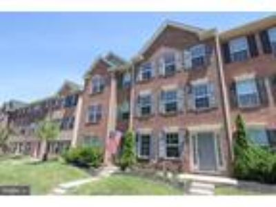 Three BR, 2.5 BA Open Floor plan town home in Hanover Square