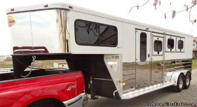 2005 Sundowner Sunlite 727 3 horse trailer
