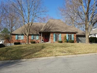 4 Bed 3 Bath Preforeclosure Property in Independence, MO 64055 - S Avon Dr