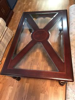 Gorgeous Coffee Table 42 x 48 . Matching side table in other listing