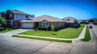 8600 King Ranch Drive Cross Roads Four BR, This open and very