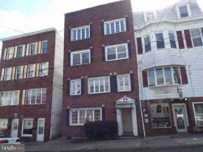 449 Sunbury St Minersville, 5 unit apartment with 2 car