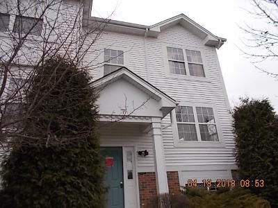 2 Bed 1.1 Bath Foreclosure Property in Round Lake, IL 60073 - W Big Horn Dr