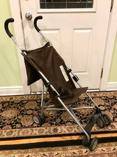 Umbrella stroller with mesh organizer