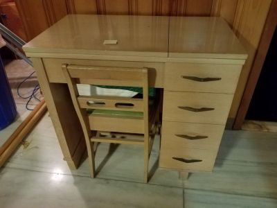 Mid Century Modern Cabinet & Chair w/ Necchi BF Mira SEWING MACHINE & accessories Italy