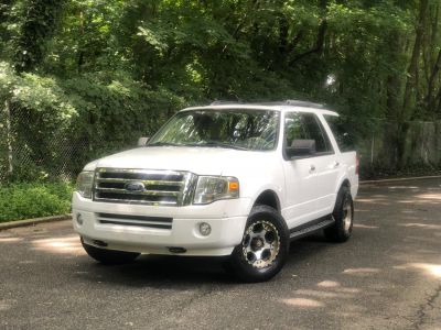 2009 Ford Expedition XLT (White)