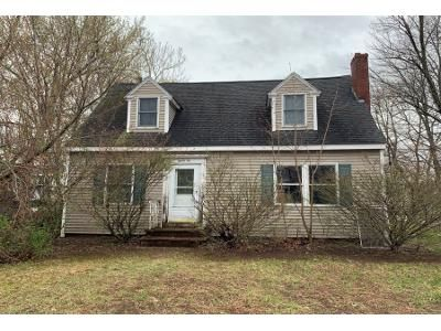 2 Bed 1 Bath Preforeclosure Property in Manchester, NH 03102 - Poor St
