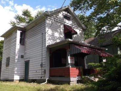 3 Bed 1 Bath Foreclosure Property in Farrell, PA 16121 - Wallis Ave