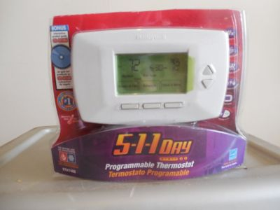5-1-1 Day Honeywell Programmable Thermostat - Never Installed