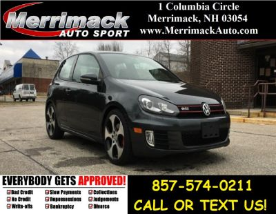 2011 Volkswagen GTI Base (Deep Black Pearl Metallic)