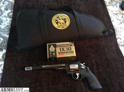 For Sale: Smith and Wesson .44 MagnumPerformance Center Hunter For Sale $1000