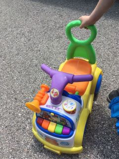 Musical ride or push toy