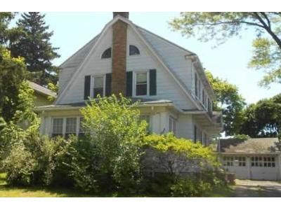 3 Bed 2 Bath Foreclosure Property in Syracuse, NY 13208 - Court St