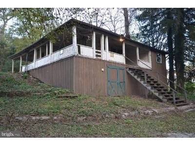 2 Bed 1 Bath Foreclosure Property in New Oxford, PA 17350 - C Kohler Mill Rd