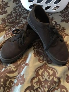 Faded Glory Size 5 Sneakers