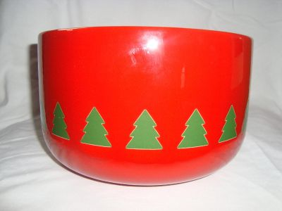 Waechtersbach Christmas Trees on Red Rnd SERVING BOWL Discontinued West Germany