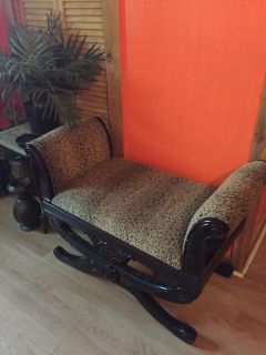 Beautiful Leopard Accent Entryway Seat