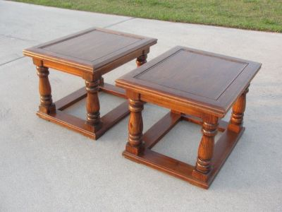 """VINTAGE """"PINE""""END TABLE SET OF 2 FROM THE 1970'S EXCELLENT CONDITION"""