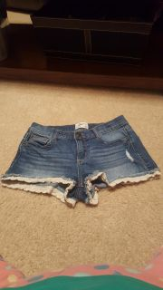 Mudd shorts with lace trim, size 7.