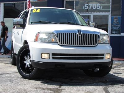 2006 Lincoln Navigator Luxury (Oxford White)