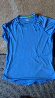 Women's large under armour top