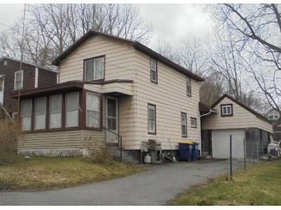 2 Bed 1 Bath Foreclosure Property in Syracuse, NY 13219 - Columbus Ave