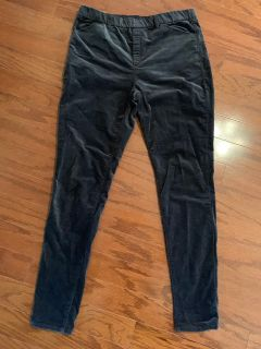 Ladies pants by UNIQLO Size L 30-31 inch
