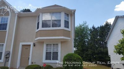Just listed!!  End unit townhome in Lithonia!!