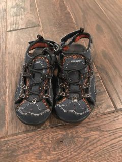 LL Bean size 9 shoes. Like new!!! $7