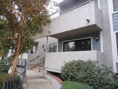 $2075 2 apartment in San Fernando Valley