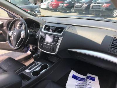 2017 Nissan Altima 2.5 SR Sedan (Super Black)