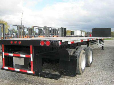 $20,900, 2006 Fontaine Steel/Aluminum Combo Moffett Piggyback Forklift Trailer 48#39; x 102