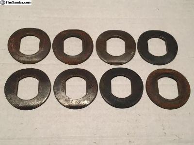 Cooling fan spring washers for fan hub