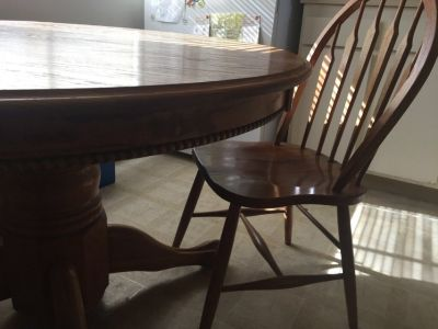 Antique oak dining kitchen table w beaded skirt and claw feet 1 leaf