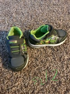Size 12 light up ninja turtle shoes. Xposted