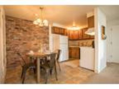Idylwood Resort Apartments - Two BR, One BA 830 sq. ft.