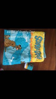 Scooby Doo shower curtain and cup