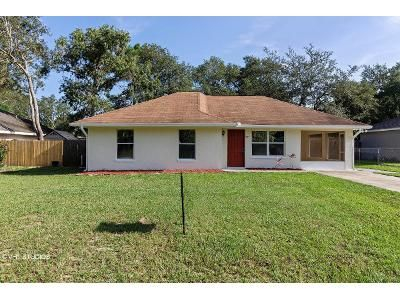 3 Bed 2 Bath Foreclosure Property in Lady Lake, FL 32159 - Juniper St