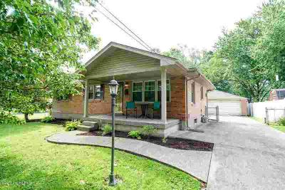 8907 Mahoney Dr LOUISVILLE Three BR, Welcome to 8907 Mahoney